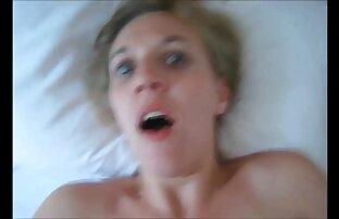 მდივანი sucks პორნო ვარსკვლავი pussy ასევე tits შორის დაცვის ჩაკეტილები ლიფტი